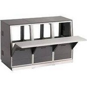Winsted J8222 3-Bay Low-Profile (11U) Slope Console (System/85 Series)